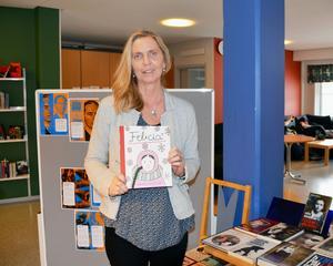 Anna Westling har ordnat en utställning om förintelsen.