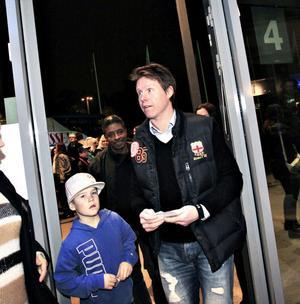 Andreas Dackell tog med sig sonen Tim till en kväll med andra idoler.