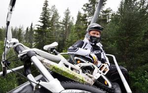 """På aktivitetshuset finns det i nuläget tolv cyklar inklusive barncyklar för uthyrning. """"Barnfamiljer är helt klart vår största målgrupp precis som på vintern"""", säger sportchefen Jonny Larsson."""