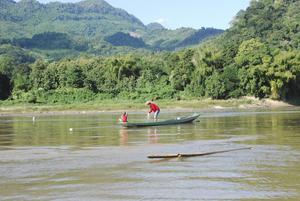 Fiskare på Mekongfloden i Laos.
