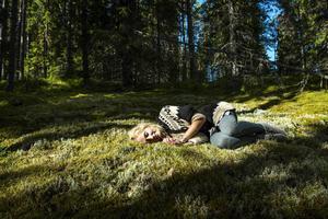 En glänta bäddad med mossa är en plats för djupaste vila.
