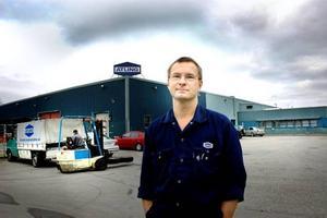 """CHOCK. Många i personalen är chockade efter tisdagens varsel om uppsägning av en tredjedel av de anställda. """"Den stora frågan för alla är om man själv omfattas eller inte"""", säger Metalls klubbordförande Ulf Lundqvist."""