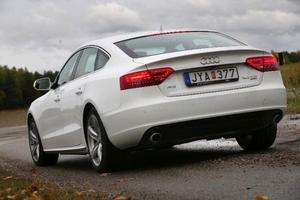 Audi A5 Sportback är inte lika snygg som tvillingen med bara två dörrar, A5 Coupé, men fortfarande snyggast av konkurrenterna i klassen.Foto: Rolf Gildenlöw