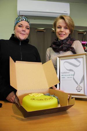 Helena Jönsson, 21, och Anna Jung, 22, startade blomsterbutik direkt efter gymnasiet.