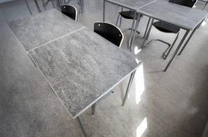 Genom att öppna en ny skola i de tidigare SFI-lokalerna i Nacksta skapas förutsättningar för att förverkliga våra idéer, menar skribenterna.   Foto: Annakarin Björnström