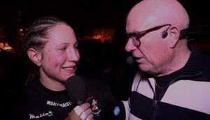 PeO Karlström intervjuar en av damsegrarna, Sandra Bengtsson.