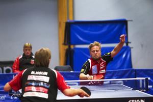 Jon Persson vann mot Magnus Molin i kvällens bästa match.