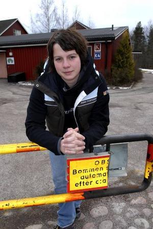 Bommar igen. Det tänker IBF Faluns målvakt Katja Hinders göra i SM-slutspelet. Till att börja med i den första matchen hemma mot Endre i dag i Falu Kuriren Arena.