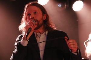 Umeåbandet Deportees spelade i Gävle för första gången sedan 2004, konstaterade sångaren Peder Stenberg. Väl värda väntan tyckte recensenten.
