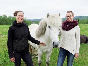Karolina Svensk och Ulrika Ellgren ser fram emot invigningen.