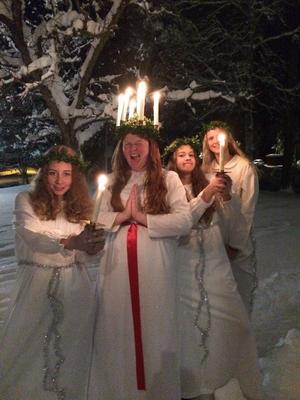 Luciafirande i Grycksbo kyrka! Från vänster; Maja Bergqvist, Molly Hedmark, Agnes Josephson, Klara Eriksson.