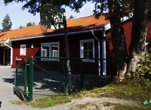 Kommunen har räknat fel när det gäller kostnaden för Bringåsens skola, menar insändarskribenterna.