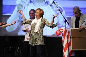 Eva Rydberg fick ta emot 30 000 kronor och minst två kilo karameller under en ceremoni på Musik- och teatermuseet i Stockholm.