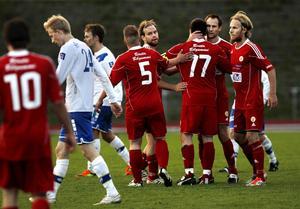 Sund har fått jubla många gånger den här säsongen. Till slut vann laget fotbollsfyran före Alnö.