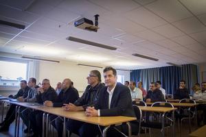Bristen på vårdpersonal hoppas kunna lösas med ett nytt snabbspår för nyanlända med medicinsk utbildning. I CFL-huset i Söderhamn samlades deltagarna för information om projektet.