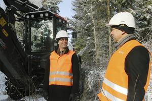 Anders Öberg, elnätschef, och Johan Jonsson, områdesansvarig, var i Edstuga.