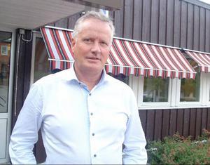Åres kommunchef Per Eric Magnusson bekräftar att kommunledningens vill ge jobbet som tillförordnad skolchef till Lena Modigh som inte ens ansökt om det. Detta har lett till en tvist med facken.