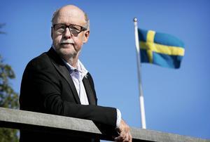 Benny Rosengren säger att SD inte vill ha något som helst samröre med Pär Öberg.