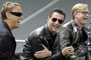 Dyra. Depeche Mode kan skratta hela vägen till banken. För spelningen på Arvikafestivalen nästa sommar tar de ut ett gage som gör att festivalen måste höja biljettpriset med 20 procent – från 995 kronor 2008 till 1 195 nästa år.