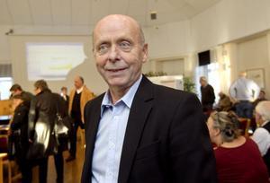 Kåge Wallner (MP) blir nytt kommunalråd och hans uppdrag som ordförande i omsorgsnämnden tas över av Per Almberg (MP).