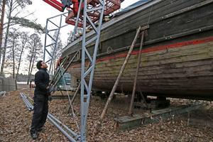 Pråmen Albert har inte fått något datum för sjösättning, men det ska ske i sommar, är planen. Samuel Habtemaram är en av åtta som ska jobba med båten.