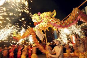 Drakdans för att fira nyåret.
