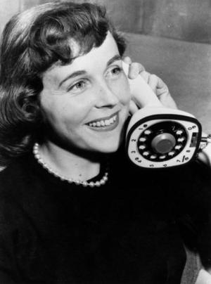 Att prata länge i telefon borde även männen klara av, eller hur?