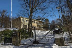 Prins Bertil och prinsessan Lilians villa Solbacken på Djurgården blir prinsparets nya hem så fort den är färdig renoverad.