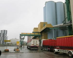På fredagen började skördetransporterna rulla in till Silon i Västerås.