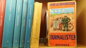 """Omdiskuterad. """"Journalisten"""" finns att låna på biblioteket i Nynäshamn. Det går även att köpa den, eftersom den återutgavs 2012. Men Moa Martinson gillade inte boken."""