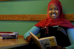 Rokia Said läser många böcker och har flera favoritförfattare.