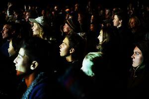 Många lockades att lyssna på Shantel & Bucovina club orkestar.