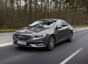 Vägegenskaperna är fullt jämförbara med de övriga tyska premiummärkena. På Autobahn är det inga problem att hänga med i det tuffa tempot.