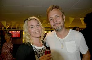 Camilla Bengtsson, journalist och Thomas Bengtsson, Avis biluthyrning.