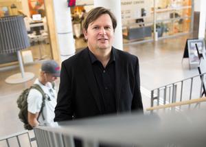 Västeråsaren Joakim Johansson forskar om jämställdhet på MDH och tycker att kvinnobad inte främjar jämställdheten.