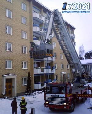 En brand bröt ut på Jakobsbergsplatsen vid lunchtid på onsdagen. FOTO: LÄSARBILD