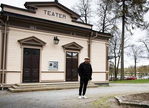 Det ligger många tankar bakom Pär Johanssons arbete med Glada Hudik-teatern.