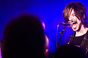 Kent Norberg, gitarrist och sångare i Sator, som under lördagskvällen gästade Rock night på Stadt i Ljusdal.s