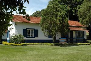 Hemma. Det är Pia och Pedros hus på ranchen Interagro utanför staden Itapira i Brasilien.