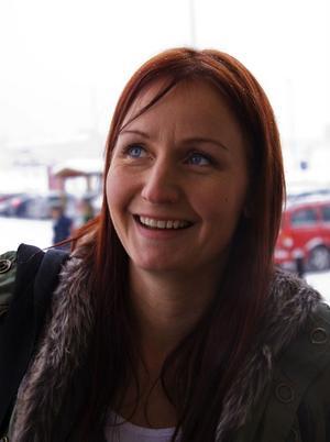 Lena Gyllroth, 35 år, barnmorska, Alnö:Jag ska jobba på förlossningen. Tyvärr börjar jag för sent för att hinna var med på det Luciatåg som personalen brukar ordna för de som ligger inne.
