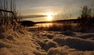 Solig dag vid Holmsjön i Norberg