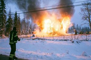 Den 8 november brann en villa vid Örtjärnsvägen utanför Grängesberg ner till grunden.