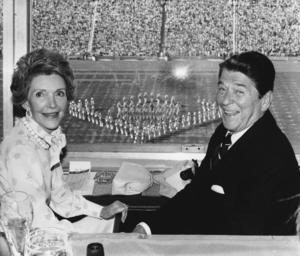En av de mest framgångsrika presidenterna Ronald Reagan med hustrun Nancy Reagan. Hans politiska idéer om öppna marknader och politisk frihet över hela världen, tycks som bortblåsta i Donald Trumps isolationistiska program.