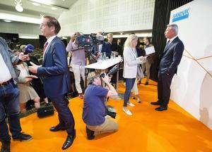 Stor uppståndelse när Sandvik med ordförande Johan Molin i spetsen i augusti 2015 presenterade sin nye  koncernchef. Men nu försvinner han till ABB. Bild. Annakarin Björnström