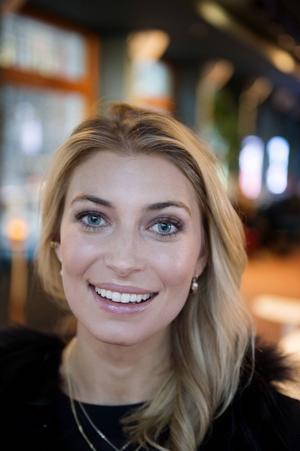 Cecilia Forss spelar en av änkorna i TV3:s nya dramaserie