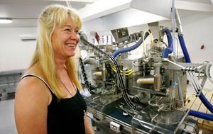 """Den nikotinfria snustillverkaren Nicofree  i Trångsviken startar distributionsavtal med Swedish Match Distribution AB. """"Vi får större täckning eftersom vi når alla deras ordinarie kunder"""", säger Anneli Hellström, Nicofrees vd."""