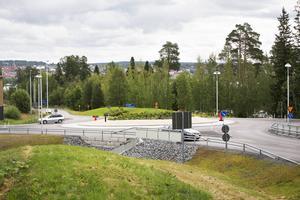 Alla olyckor rapporteras inte till polisen och därför är det svårt att säga exakt hur många olyckor som inträffat i de tidigare korsningarna. Enligt statistik från STRADA, Swedish Traffic Accident Data Acquisition, har det de senaste åren rapporterats om cirka 6-7 olyckor per år i korsningen Vallaleden-Fröjavägen-Önevägen.