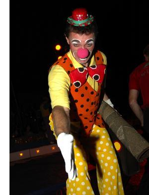 Ryska clowner hälsade på barnen. Foto:Staffan Alberts