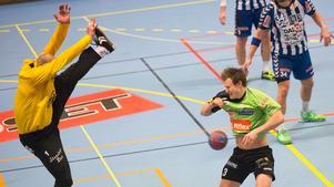 Fler än Johan Lundgren hade problem med målskyttet. Skövdes Robert Lechte storspelade i målet mot Rimbo HK.
