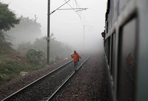 Med järnväg byggs landet samman.